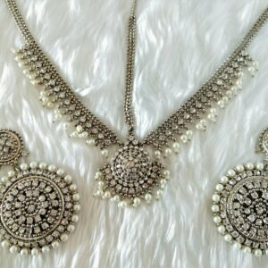 Classic Antique Silver Tikka Set Necklaces Pearls