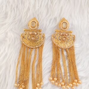 Jeet – Vibrant Earrings Earrings Pearls